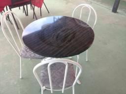 Mesa de mármore com 4 lugares R$ 350