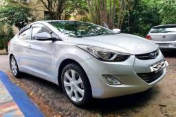 Hyundai Elantra GLS 1.8 2012/13 Gasolina