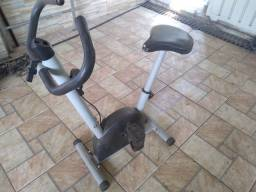 Bicicleta para exercícios em casa
