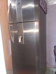 Refrigerador Continental frost free modelo RFCT515