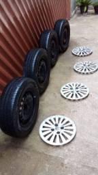 Pneus novos com roda de ferro aro 14