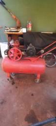 Compressor 110 volts 800 reais