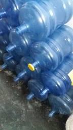 garrafões de água Santa Joana