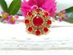 Anel n° 17 com Zirconias Cristal/ Vermelha Folheado a Ouro 18K Semijoia