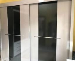 Guarda-Roupa com portas de correr Casal