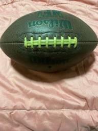 Bola de futebol americano ?