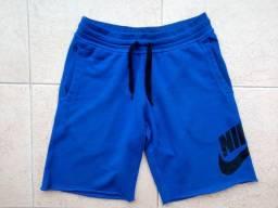 Bermuda Nike AW77 Alumni Azul c/ Logo Preto 100% Alg., Tam. M, Semi-nova, Pouco Usada!