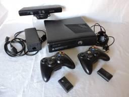 XBOX 360 Original 500GB, 2 Controles + Kinect + 5 Jogos