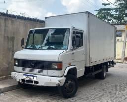 Caminhão MB-710 Ano 2000