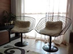 Poltronas design estilo Bertoia.