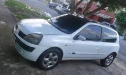 Clio 2004 - 2004