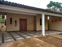 Alugo linda casa no bairro área verde