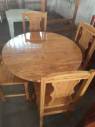 Mesa com 4 cadeiras nova madeira de angelin