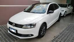 Volkswagen Jetta Confortline 2.0 flex Aut. 2013 Financio - 2013