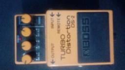 Troco pedal boss de Turbo Distortion por Reverb ou Chorus