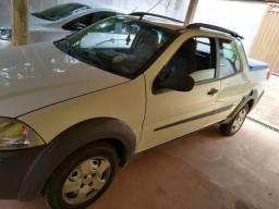 Fiat Strada CD - 2015