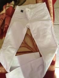 Calça branca da Dardak Jeans