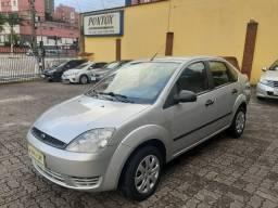 Fiesta 1.6 sedan , com direção hidraulica , vidros e travas , excelente estado