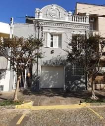 Sobrado Histórico com 3 dormitórios no Rio Branco - Porto Alegre
