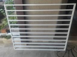 Grade de janela de metalão - semi nova