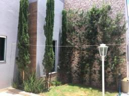 Título do anúncio: Casa para Venda em Uberlândia, Santa Luzia, 5 dormitórios, 2 suítes, 3 banheiros, 3 vagas