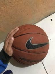 Bola de basquete NIKE Dominate