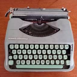 Maquina de escrever Hermes.