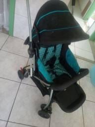 Vendo carrinho de bebê foi comprado novo, tenho a 2 anos