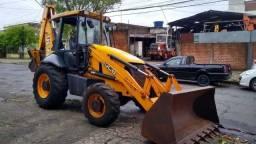 Título do anúncio: Máquina retroescavadeira JCB/2011