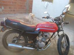 Vende-se essa moto