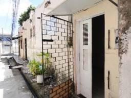 Casa com 1 Quarto e 1 banheiro para Alugar, 20 m² por R$ 380/Mês