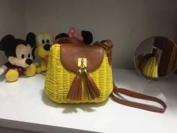 Título do anúncio: Bolsa artesanal palha amarela com alça e detalhes em courino