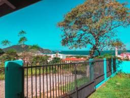 Aluga-se casa em frente à Praia do Santinho