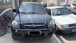 Título do anúncio: Hyundai Tucson GLS 2.0 2013 completo + IPVA 2021 / Entrada + 48x R$ 1.048,00