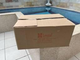 Caixa de papelão com 6 caixas  dentro