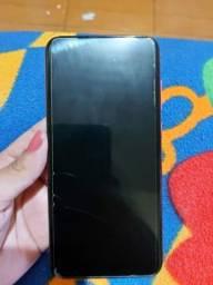 Samsung A11, 64gb e 3 de ram.