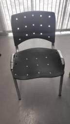 Cadeira Iso Empilhável Preto em inox