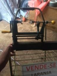 Máquina de descascar laranja