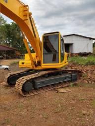 Escavadeira pc200 serie6