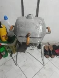 Uma churrasqueira