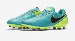 Chuteira de campo Nike Tiempo Genio II Leather FG 7d3cb1740a150