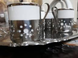Jogo de chá e café em porcelana com base em inox, bandeja em inox comprar usado  Fortaleza