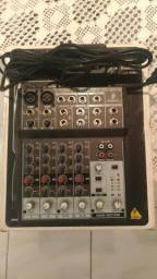 Mesa De Som Xenix 802 4 Canais (Com Phantom Power)