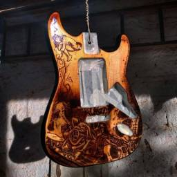 PIROGRAFIA em corpo de guitarra