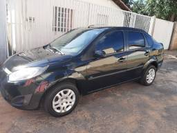 Carro Ford Fiesta Sedan Rocam 1.6