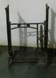 Base de Máquina Antiga