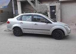 Vende se Ford Fiesta Sedan 1.6