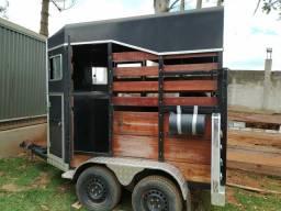 Carretinha de transportar cavalos.