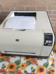 Impressora HP colorida cp 1525nw seminova com Wi-Fi