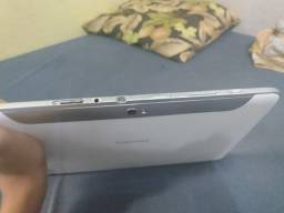 Tablet Samsung de 10 polegadas.
